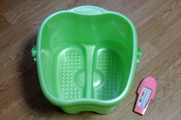 足湯用のバケツ